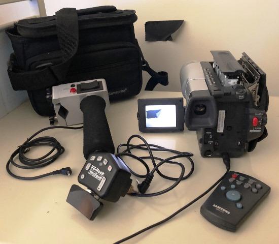 Samsung SCL906 Hi8 Camcorder with AC, Remote Control, Case