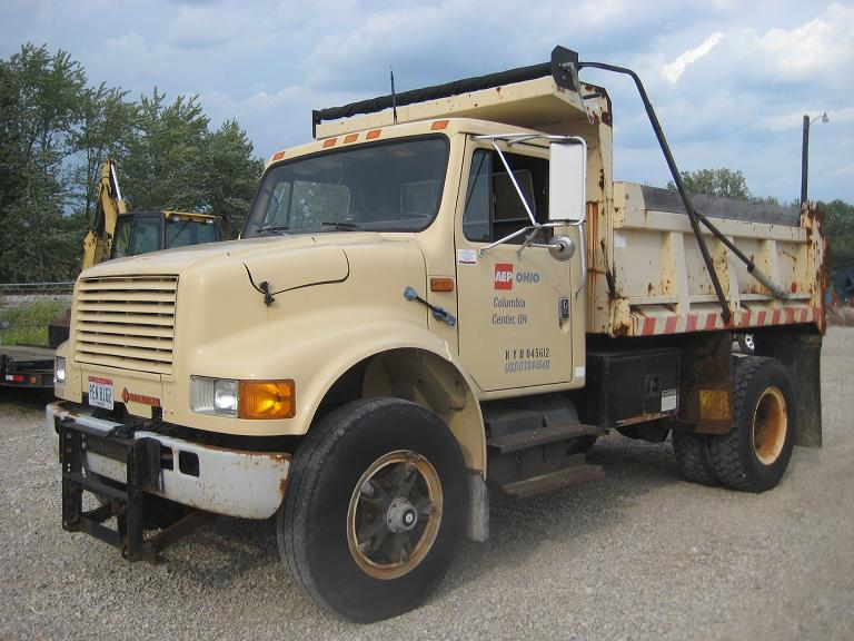 Custom Single Axle Trucks : Dump truck in steel bed single axle