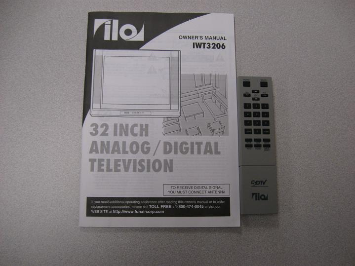 Funai Television 32 inch Analog/Digital w/TV cart