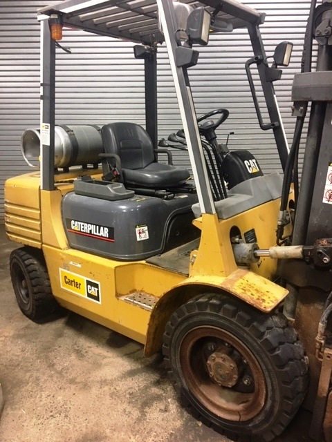 1999 Caterpillar GP30-LP Forklift 6000 LB Capacity (950024)